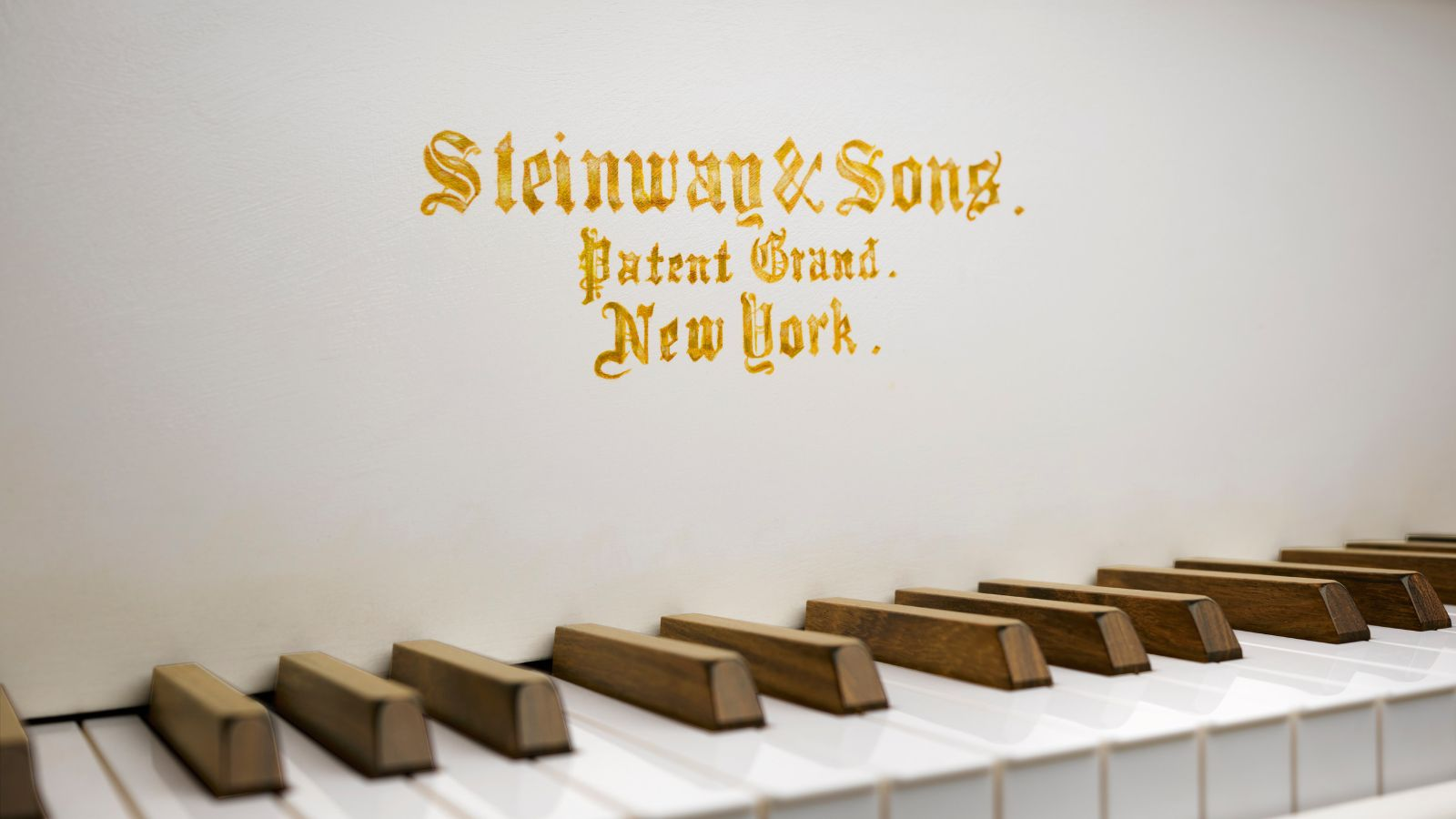 https://www.steinway.com/.imaging/mte/steinway-us-theme/Large-Rectangle/dam/Special-Pianos/pictures/Pictures_at_an_Exhibition_fallboard_detail_keys_fma2.jpg/jcr:content/Pictures_at_an_Exhibition_fallboard_detail_keys_fma2.jpg