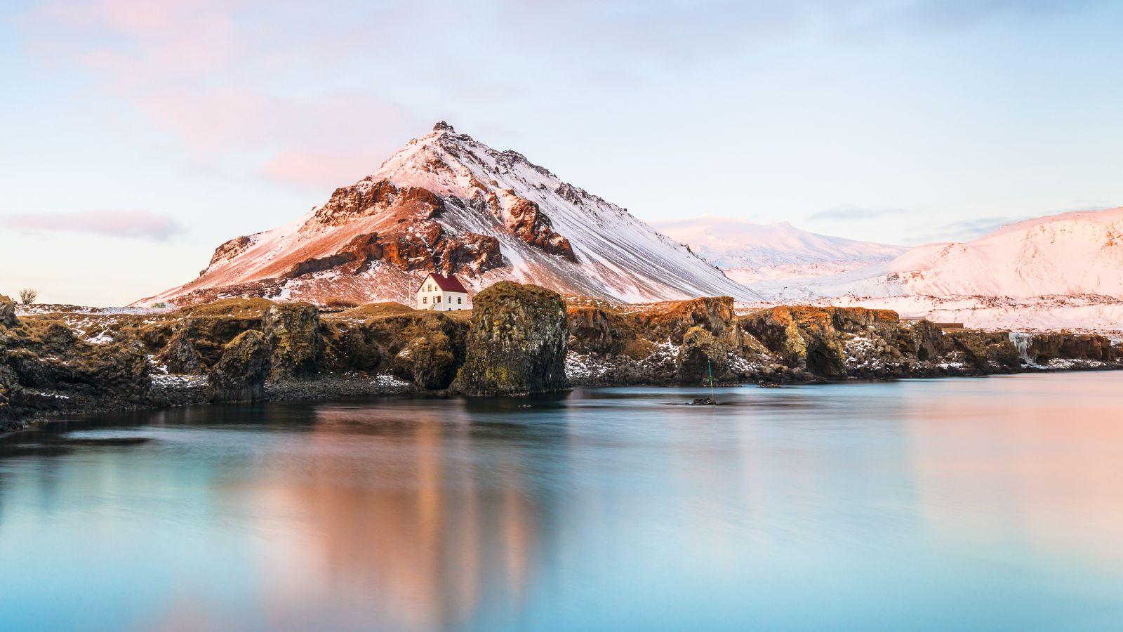 Writing Songs in Reykjavik - Steinway & Sons