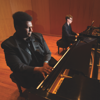 /vi/news/steinway-chronicle/summer-2016/Marking-a-decade-of-excellence-at-UWF