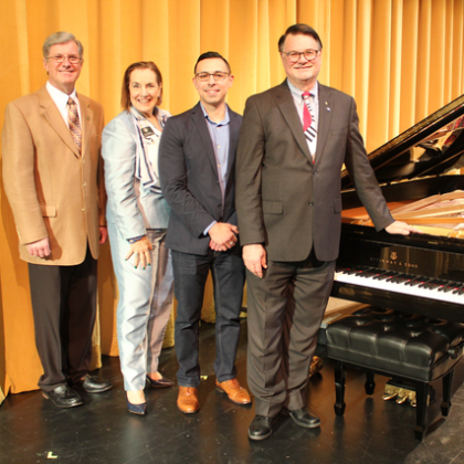 /news/steinway-chronicle/k-12/seguin's-big-steinway-d-ream-fulfilled