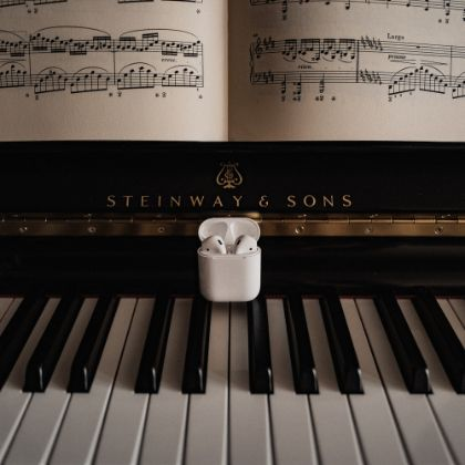/news/press-releases/steinway-to-launch-official-apple-music-curator-profile