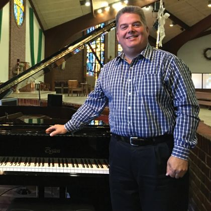 /zh_TW/news/boston-chronicle/winter-2016/steinway-boston-devine-redeemer-choir